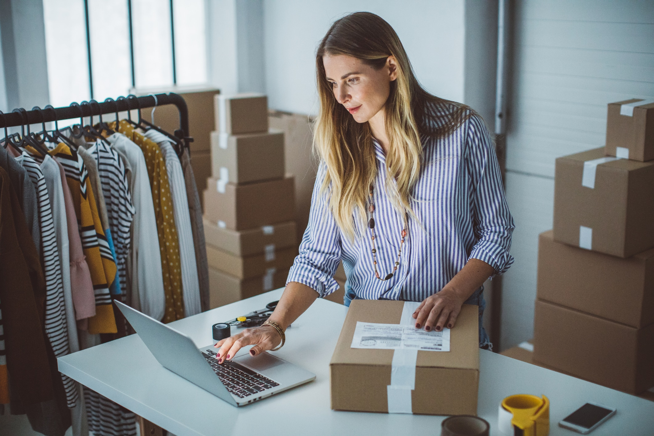 Tips and Tricks for Managing a Small Business Move on a Budget